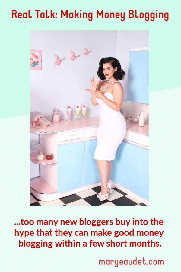 Title image for making money blogging - woman in a pink and blue fantasy kitchen - retro look.